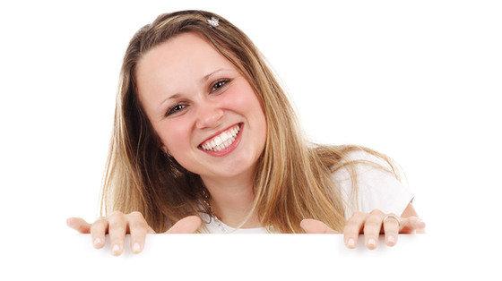 Szczęście na twarzy zmniejsza agresję?